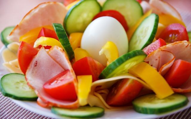 Salade als symbool voor samen eten bij Kloek